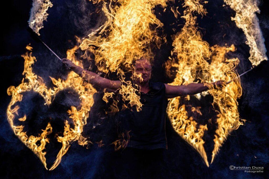 Feuershow-Hochzeit + brennende Herzen